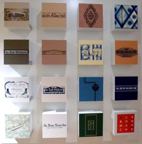 אוסף פרסומות עתיקות של הבון מרשה מוצג כעת בחנות, פאריז 2013