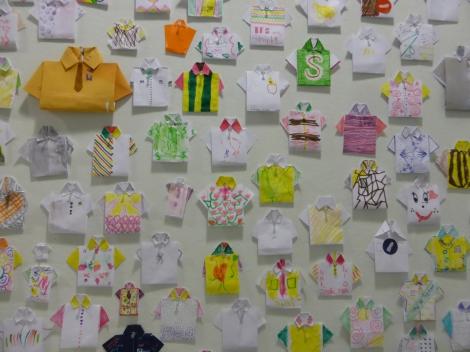 חולצות אוריגמי במוזיאון העיצוב בחולון
