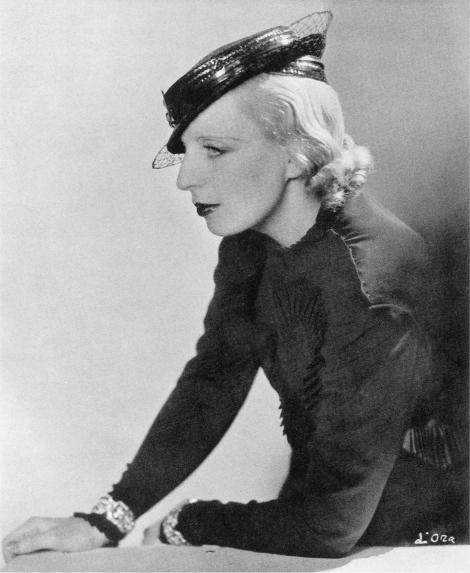 01_Tamara de Lempicka con cappello le Monnier