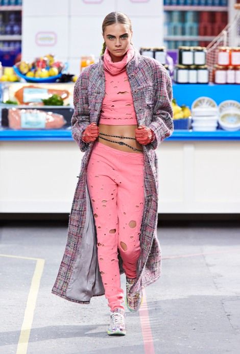 17-the-vulgar-karl-lagerfield-for-chanel-autumn_winter-2014-15-chanel